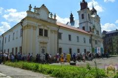 Радикалы силой захватили храм УПЦ на западе Украины