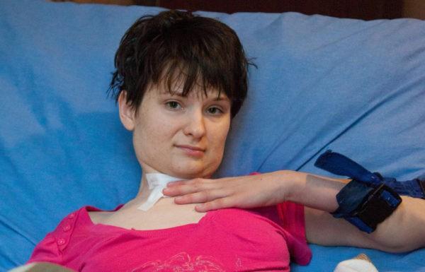 Недавно Аня вырвала трахеостому и стала дышать сама