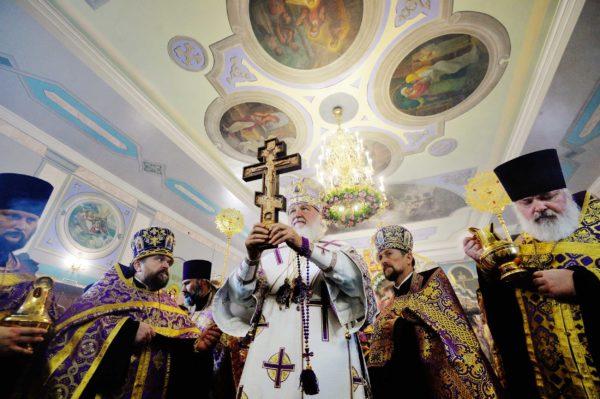 Патриарх Кирилл: Мы сильны верой в преображающую нас спасительную силу Креста Господня