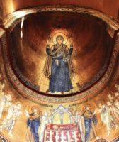 """Шестиметровое изображение молящейся Божьей Матери """"Нерушимая стена"""", Оранты"""