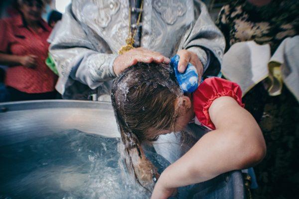 Крещение взрослых: с причиной «зачем-то нужно» мы сталкиваемся до сих пор