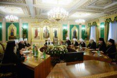 МОЛНИЯ: Синод принял решение приостановить сослужение с иерархами Константинопольского Патриархата