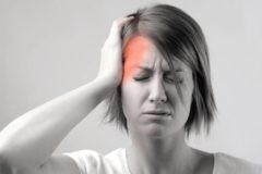 Съела шоколадку, начинается мигрень: а еще «на погоду», «от сосудов» и «от шеи» – почему болит голова