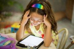 25 тысяч книг в приложении – но почему учитель предлагает детям на 24 часа отказаться от смартфона