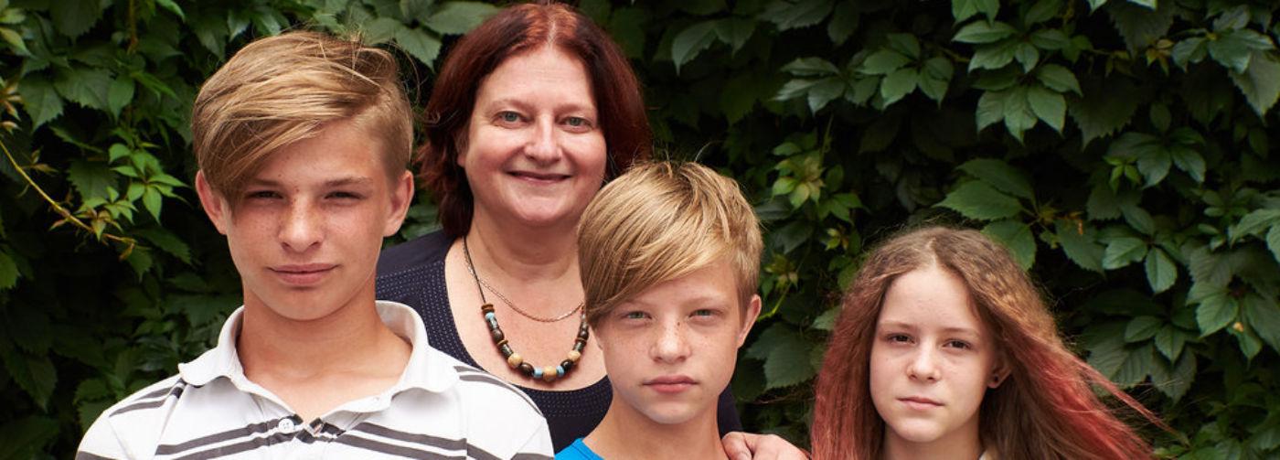 """""""Прикиньте, у меня волонтер — немка"""": история Биргит и ее приемных детей"""