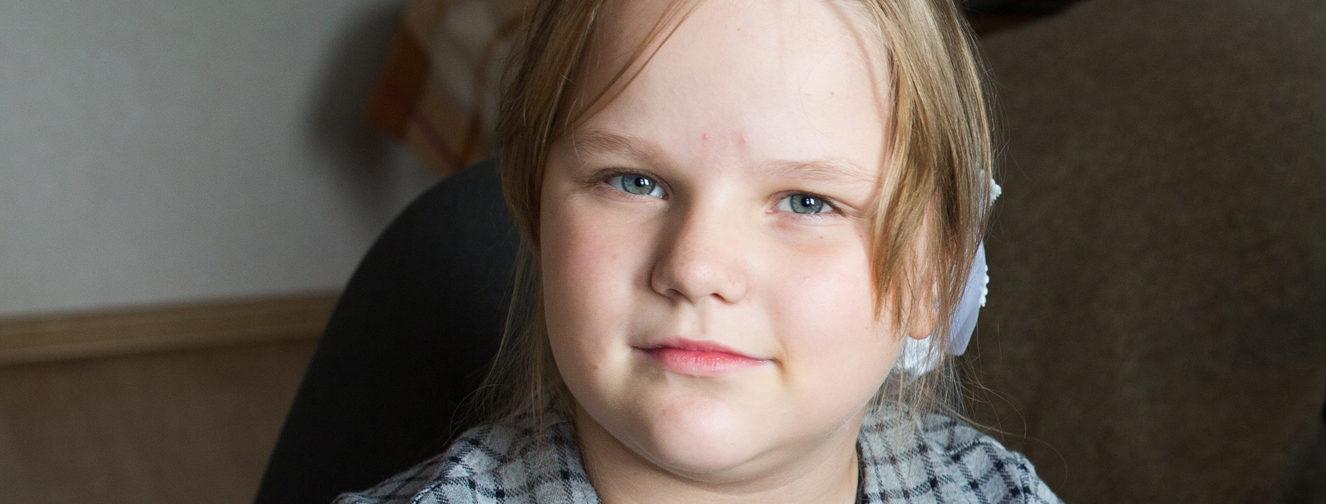 Пока врачи не могли поставить диагноз — Аня научилась читать по губам