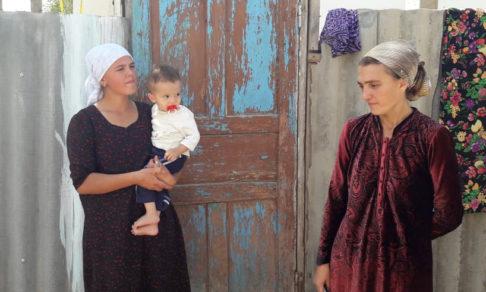 «Чтобы не рисковать детьми, отдала их в приют» – как живут русские семьи в Таджикистане