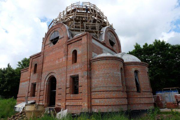 Болгарская диаспора помогает строить храм в честь святителя Киприана