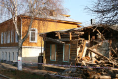 «Боровск гибнет? – Боровск спасен!»: «зачем сохранять эти развалюхи»
