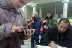 Священники и добровольцы доставляют гумпомощь в пострадавшие от наводнения кубанские села