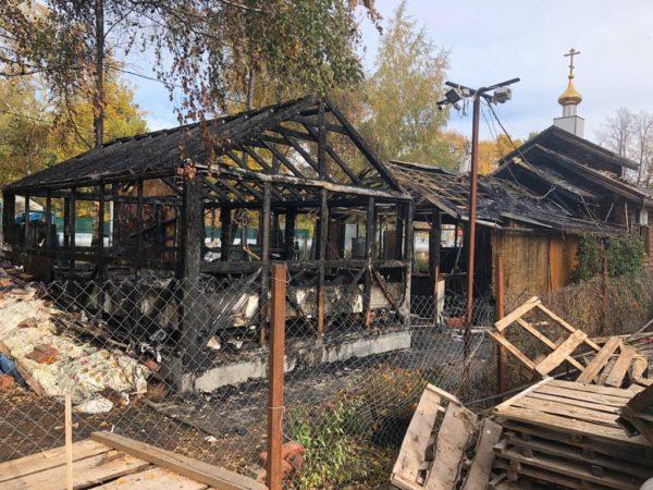В Москве неизвестный поджег храм и воскресную школу