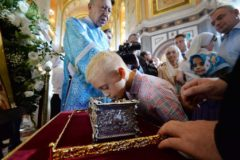 Мощам святителя Спиридона поклонились более миллиона верующих России