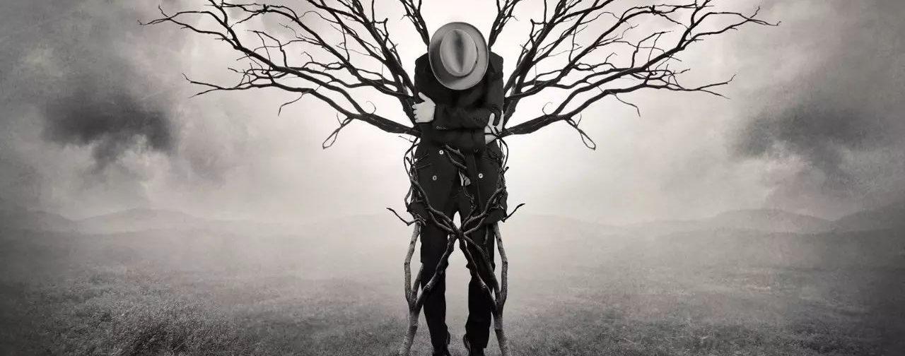 Мы заасфальтировали свою душу и пустили над ней колючую проволоку