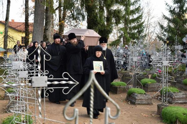В Эстонии обретены мощи святой блаженной Екатерины Пюхтицкой