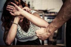 Правозащитники запустили «горячую линию» по бездействию силовиков и опеки при жалобах на домашнее насилие