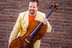Борислав Струлев: У хирурга есть скальпель, а у меня виолончель