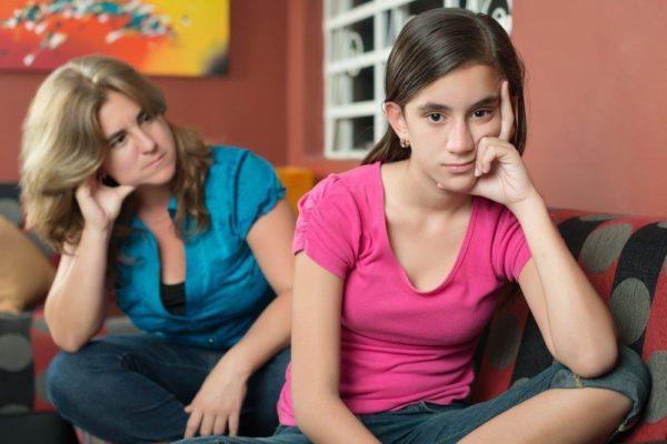 «Иногда я злюсь на маму и кричу в подушку: «Надоела, ты меня бесишь!»