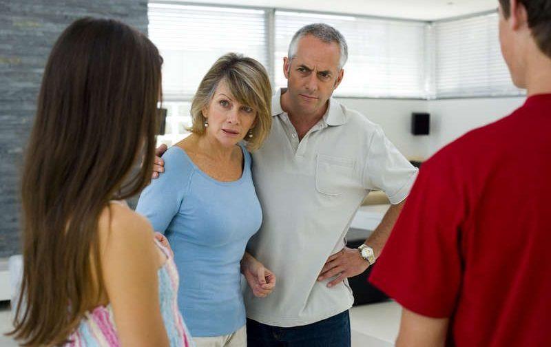 Сын знакомит со своей избранницей и слышит: «Она не для тебя»