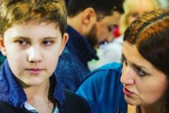 «Он у вас слишком терпеливый» – почему парня травят в школе
