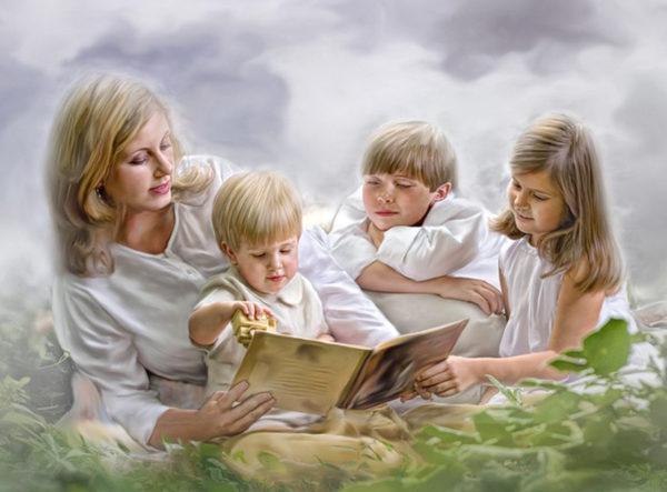 «Это для многодетных или для простых смертных?» – чем опасен и чем замечателен День матери