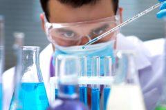 Российские ученые тестируют первый в мире препарат без побочных эффектов от болезни Бехтерева