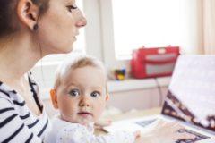 Пособие по уходу за ребенком и декретные выплаты вырастут с 2019 года