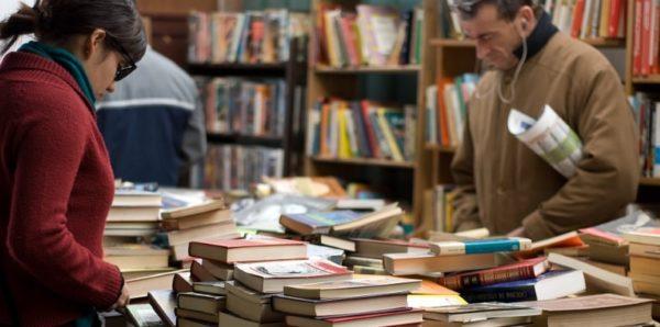 Книги предложили приравнять к социально значимым товарам