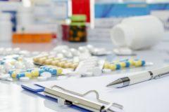Минздрав в нарушение закона досрочно закупит лекарства от редких болезней