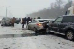 Массовое ДТП в Ростовской области: столкнулись 13 автомобилей