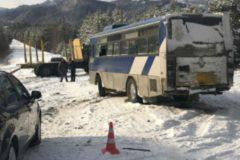 В Иркутской области водитель автобуса спас пассажиров в аварии с КамАЗом