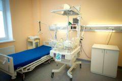 Хабаровские врачи через суд добились операции и спасли новорожденную – тогда родители передумали от нее отказываться