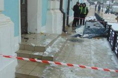 В Киеве задержали подозреваемого в попытке поджога Андреевской церкви «коктейлями Молотова»