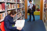 Количество читающих россиян все меньше — эксперт