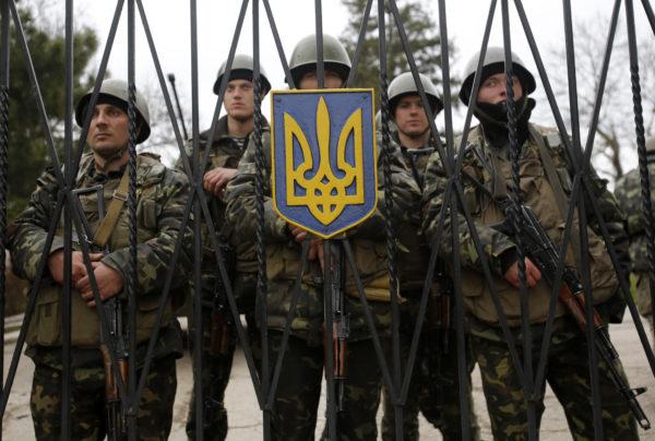 Украина ввела военное положение – что это значит