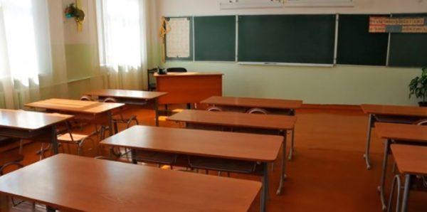 В Томской области учительница ударила школьника головой о парту