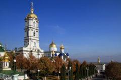 Почаевская лавра обвинила СМИ в клевете и предвзятости