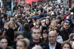 Россияне рассказали, как повысить в стране социальную справедливость
