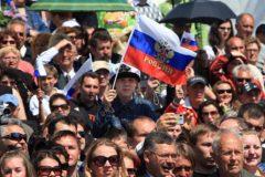Россияне разделились в оценке пути развития России