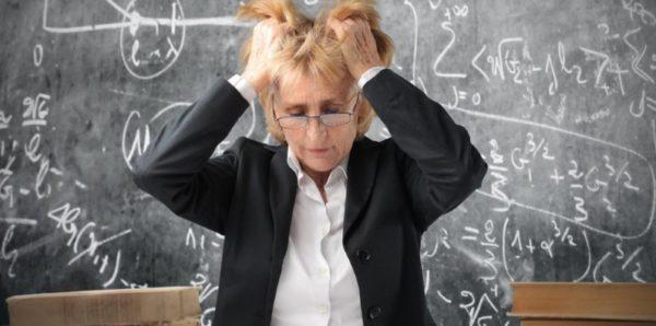 Рособрнадзор: Половина учителей математики не справилась с тестом по своему предмету