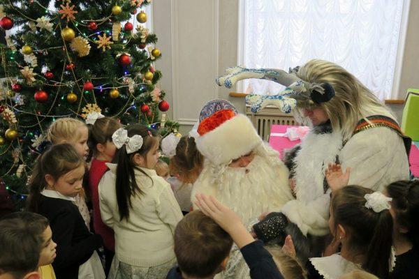 В Старом Осколе дети отказались от всех подарков на праздники, чтобы собрать деньги на лечение одноклассника