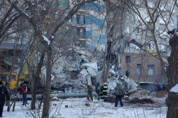 Священники Магнитогорска помогают на месте трагедии