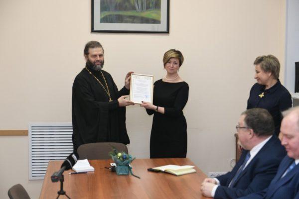 Валаам пожертвовал полтора миллиона рублей карельской школе