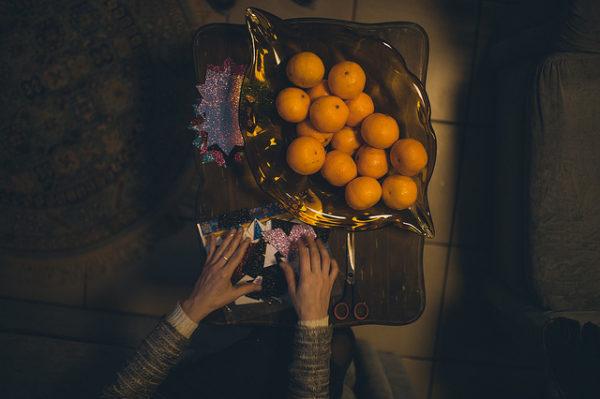 Кого порадовать подарком: мандарины для хосписов, игрушки для стариков, а незнакомым сиротам – ничего