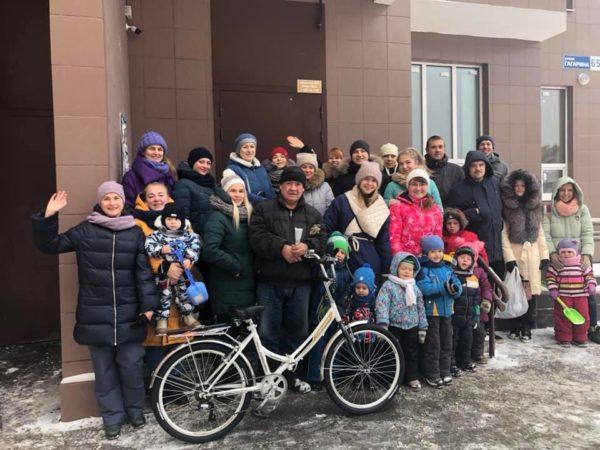 Жители Обнинска на Новый год исполнили мечту дворника в благодарность за его работу