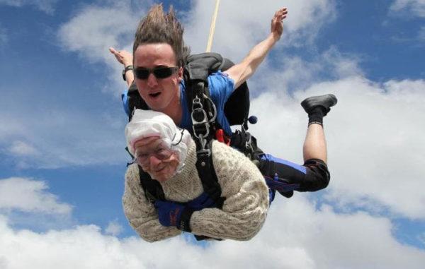 «Доживу до 105 лет – и снова прыгну с парашютом»