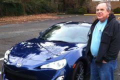 Соцработник из США после смерти завещал на благотворительность $11 млн – при жизни ради экономии он склеивал ботинки скотчем