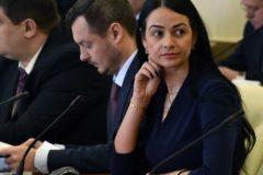 Свердловская чиновница, заявившая о ненужности молодежи, ушла в отставку