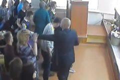 Создателя псевдорелигиозной секты в Омске осудили на 3,5 года условно