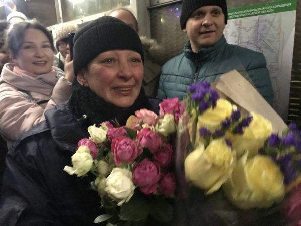 Красногорцы устроили праздничный флешмоб в день рождения доброжелательного контролера