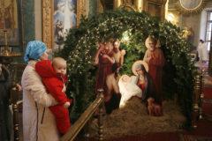 Смотришь на детей и думаешь, что Всемогущий пришел в мир таким же беспомощным Младенцем